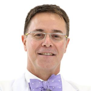 Dr. Carlos Araújo